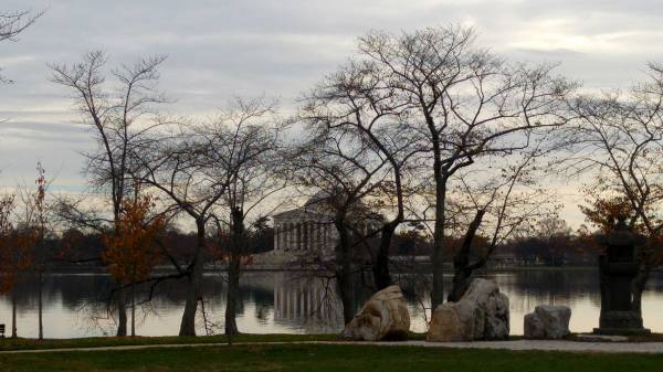 The Jefferson Memorial in the fall