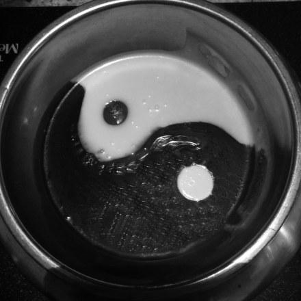 Chocolate fondue yin-yang